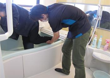 浴槽跨ぎ動作訓練